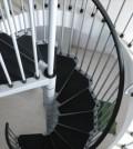 Принцип сборки межэтажной лестницы ничем практически не отличается от сборки простого конструктора, возможно, оно напомнит вам время, когда вы были ребенком и сами собирали разные вещи из конструктора.