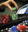 Где можно играть в покер с выводом денег?